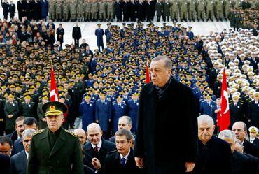"""""""Califa"""" Erdogan conquistaria a Europa em apenas 3 dias, afirma jornal turco"""