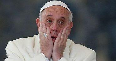 Teólogos católicos acusam papa Francisco de heresia