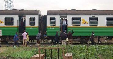 """Evangélicos transformam vagão de trem em """"igreja móvel"""""""