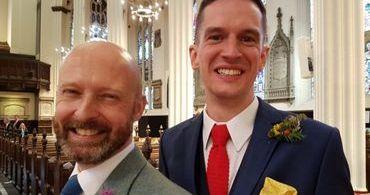 Ativistas vencem disputa e igreja celebra primeiro casamento gay em templo