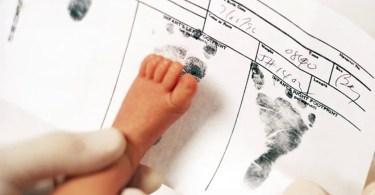"""Alemanha quer registrar bebês com """"terceiro gênero"""""""