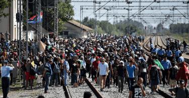 A Crise Migratória Deixa a Europa de Pernas para o Ar