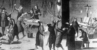 Usando Trump como plataforma para glorificar a Inquisição?