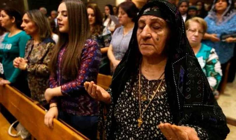 Cristãos iraquianos enfrentam extinção, mas perdoam Estado Islâmico 'em nome de Jesus'