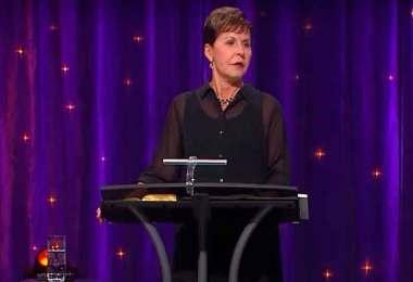 """""""Você não pode comprar Deus com orações ou boas obras"""", diz Joyce Meyer"""