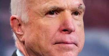 Neocon belicista traiçoeiro John McCain quer guerra com a Rússia!