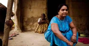 Mulher é salva por missionários após ser declarada morta por feiticeiro