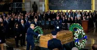 Billy Graham é o primeiro líder religioso a ser honrado no Capitólio dos EUA