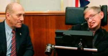 Hipócrita Stephen Hawking, que dependia de tecnologia israelense enquanto denunciava Israel, está morto