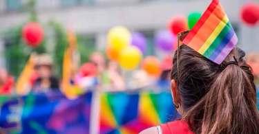 Califórnia poderá punir pessoas que ensinam a visão bíblica do casamento aos gays