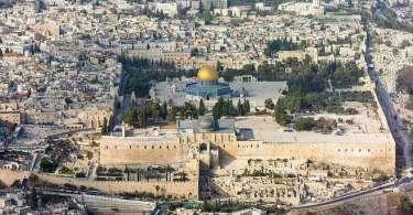 Entenda por que cristãos e judeus são proibidos de orar no Monte do Templo