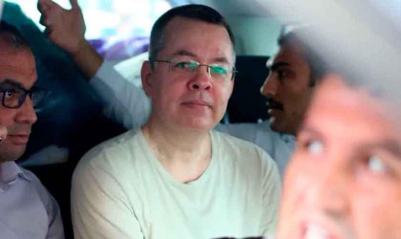 Turquia cometeu erro grave em não libertar o pastor Brunson, diz assessor de Trump