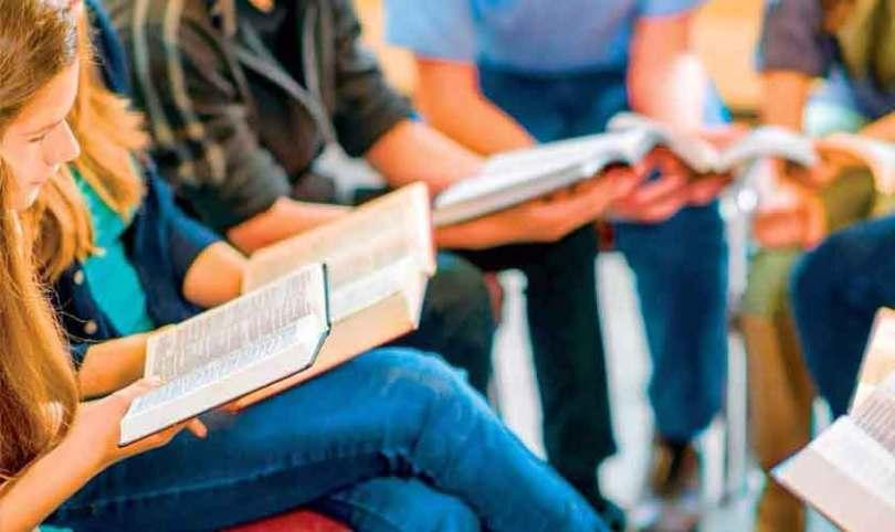 """""""Ninguém pode dizer que ama Jesus, mas não suporta a Igreja"""", alerta pastor"""