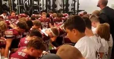 Pastor é proibido de orar com time antes dos jogos
