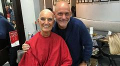 """""""Deus não olha para aparências"""", diz Anne Graham após perder cabelos em quimioterapia"""