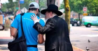 """""""Judeus em todos os lugares estão compartilhando sua fé em Jesus"""", diz autor"""