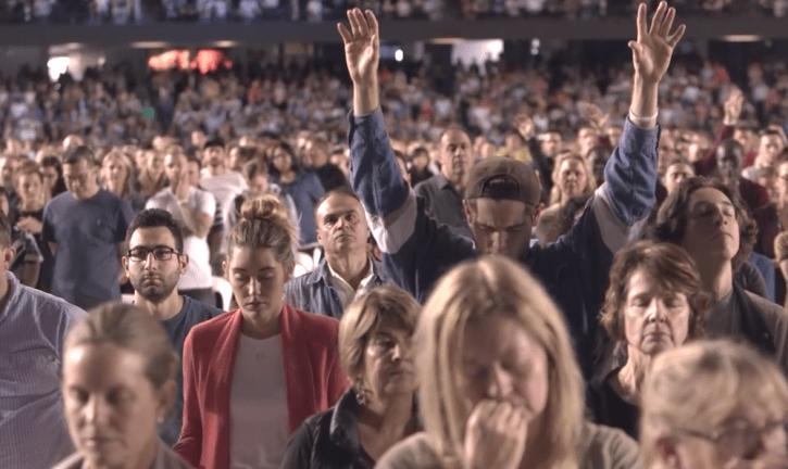 """Cristãos oram por mais de 100 mil pessoas nas ruas da Austrália: """"Teremos o avivamento"""""""