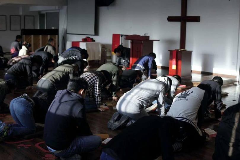 """Homem prega Evangelho na prisão, após ser detido na China: """"Todos queriam ouvir"""""""
