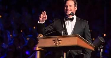 """Chris Pratt prega e lê a Bíblia em evento da Disney: """"Somos criação preciosa de Deus"""""""