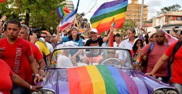 Cuba tira casamento gay da nova Constituição após protestos evangélicos