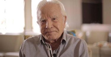 Cid Moreira conta que gravou a Bíblia pensando nos cegos e enfermos