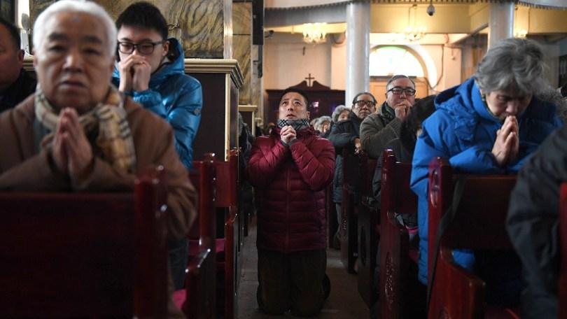"""Pastores da China desafiam perseguição: """"Quando um é preso, outro assume o trabalho"""""""