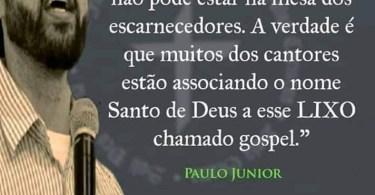 O nome de Deus é santo.
