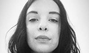 """Jovem relata detalhes de tortura e estupro e comove redes sociais: """"Perdi minha alma"""""""