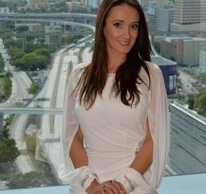 Dirección de la revista Ejecutiva Magazine a cargo de Karen Blanco
