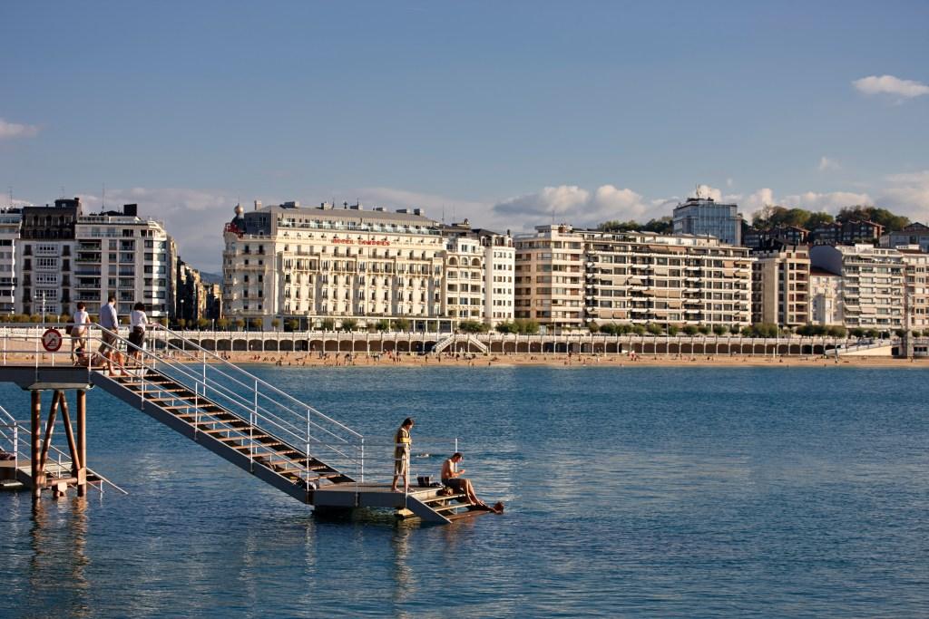 Hoteles urbanos con encanto en espa a ejecutiva magazine for Hoteles con piscina en san sebastian