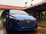 Hyundai_Ioniq_2017_18