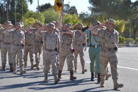 Desfile de los legionarios en el acto en Viator