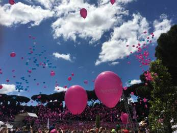 Balloons released during the Roma Race for the Cure, each one for a survivor or a lost one.