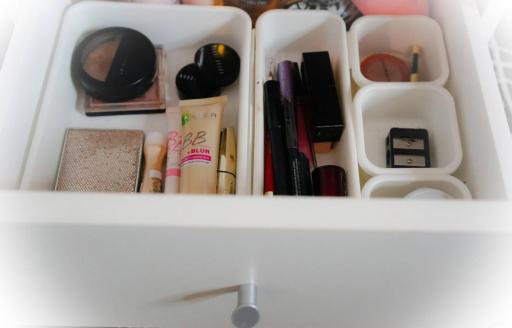 Makeup drawer2
