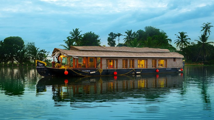 Top 30 Best Tourist Places To Visit In Kerala