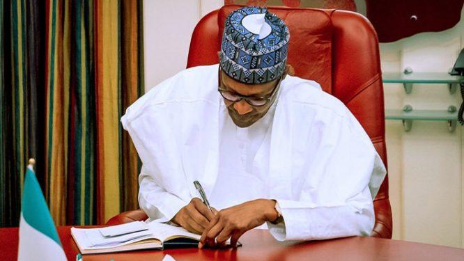 Utomi Blasts Buhari, Other Politicians, Calls Them Terrible Mistake