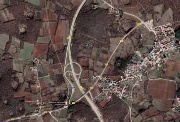Satelitska snimka petlje koja je toliko komplicirana da ju se mora osvijetliti više nego sam grad Višnjan...