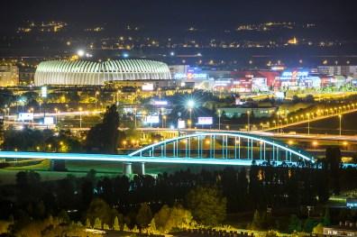 Hendrixov most u Zagrebu bliješti više od Arene - osvijetljen je kao najjači reklamni panoi.