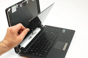Samsung laptop ekran değişimi nasıl yapılır
