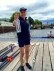 Helga mit Flaschenpost