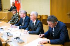 NSGK pirmininkas V. Bakas (dešinėje). Nuotr. lrs.lt