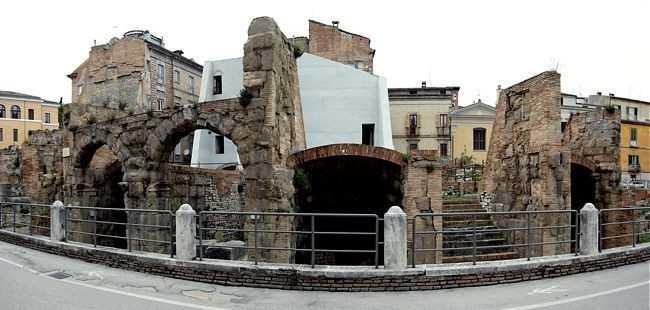 TEATRO ROMANO, 15 COMITATI DI QUARTIERE E ASSOCIAZIONI PRESENTANO AL SINDACO PROPOSTA DI STRALCIO PROGETTUALE