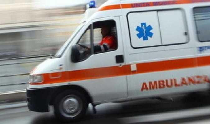 Alba Adriatica, auto contro moto: due feriti gravi