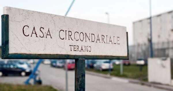 Teramo, il sindaco D'Alberto incontra i detenuti di Castrogno: saranno coinvolti in lavori sociali