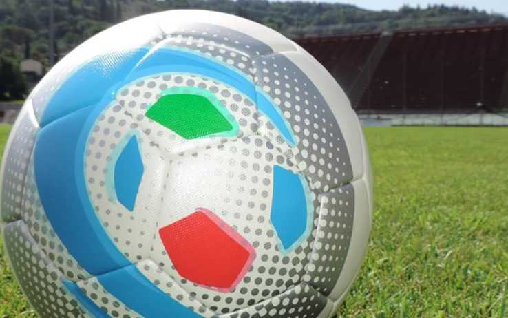 CALCIO D/F: IL GIULIANOVA PRIMA VEDE LE STREGHE E POI PAREGGIA (2-2). BENE NOTARESCO E PINETO