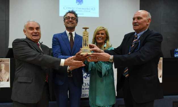 """Confcommercio premia 48 aziende """"Tenaci"""" d'Abruzzo e assegna tre """"Premi Speciali"""""""