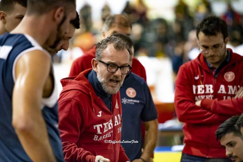 Basket B, il derby va al Giulianova: l'Adriatica Press Teramo mai in partita