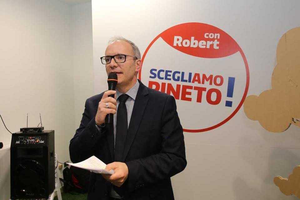 Pineto, inaugurata la sede elettorale del candidato Sindaco Robert Verrocchio