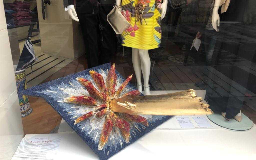 VIDEO | Teramo, la bellezza dell'arte rivitalizza il commercio: vetrine in risalto per il centro