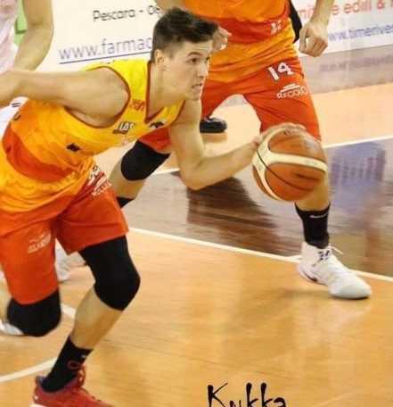 Basket B, si complica la vita l'Etomilu sconfitta in casa da Civitanova (71-77)